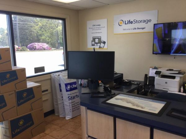 Life Storage - College Park 5725 Old National Hwy College Park, GA - Photo 3