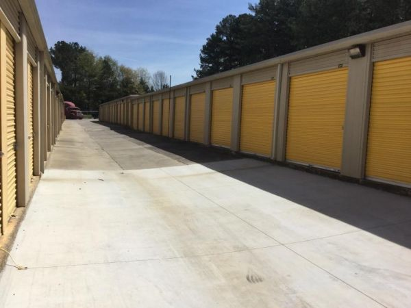 Life Storage - College Park 5725 Old National Hwy College Park, GA - Photo 4