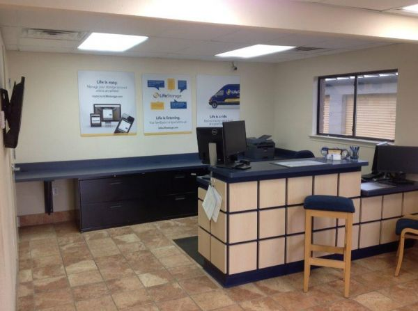 Life Storage - Pensacola - East Nine Mile Road 801 E Nine Mile Rd Pensacola, FL - Photo 1