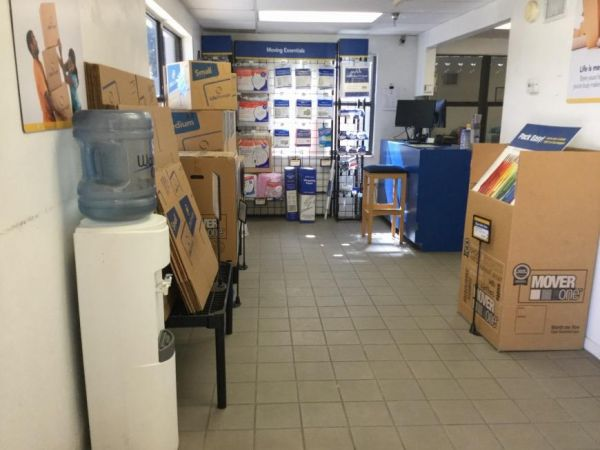 Life Storage - Fort Myers - Central Avenue 3780 Central Ave Fort Myers, FL - Photo 8