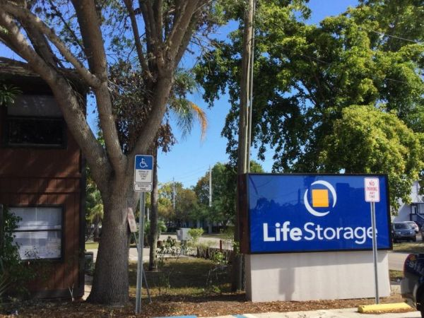 Life Storage - Fort Myers - Central Avenue 3780 Central Ave Fort Myers, FL - Photo 7