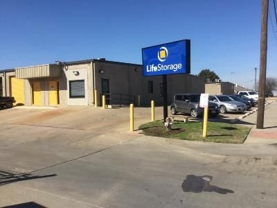 Life Storage - Arlington - Duncan Perry Road 1061 Duncan Perry Rd Arlington, TX - Photo 0