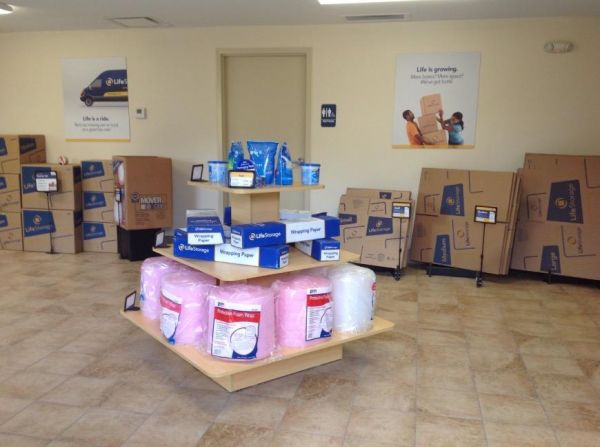 Life Storage - Youngstown 446 Boardman Canfield Rd Youngstown, OH - Photo 8