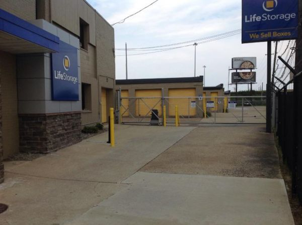 Life Storage - Cleveland - West 130th Street 4976 W 130th St Cleveland, OH - Photo 6