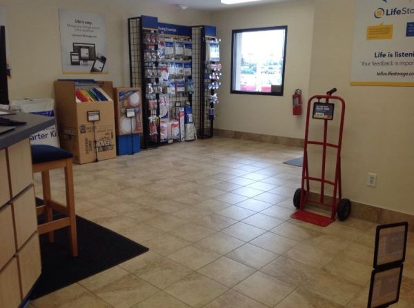 Life Storage - Cleveland - West 130th Street 4976 W 130th St Cleveland, OH - Photo 8