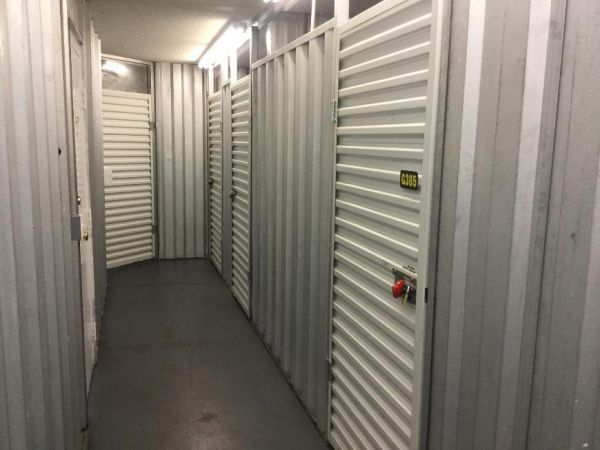 Life Storage - Chattanooga - 6601 Lee Highway 6601 Lee Hwy Chattanooga, TN - Photo 3