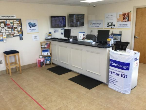 Life Storage - East Greenwich - South County Trail 2771 S County Trl East Greenwich, RI - Photo 5