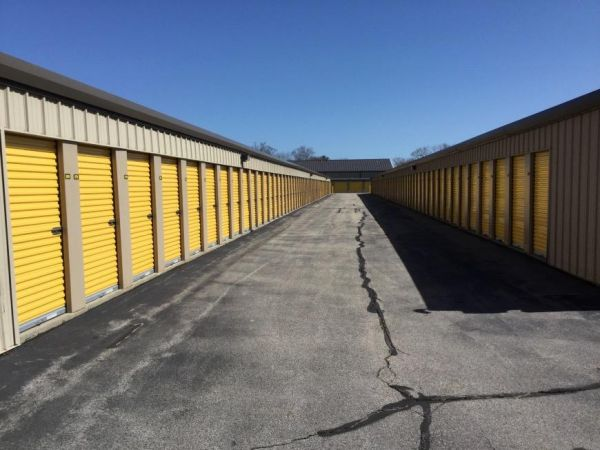 Life Storage - East Greenwich - South County Trail 2771 S County Trl East Greenwich, RI - Photo 1