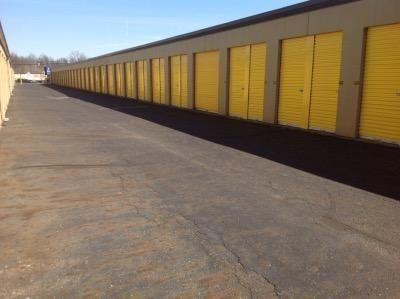 Life Storage - Warren - Elm Road Northeast 3787 Elm Rd NE Warren, OH - Photo 2