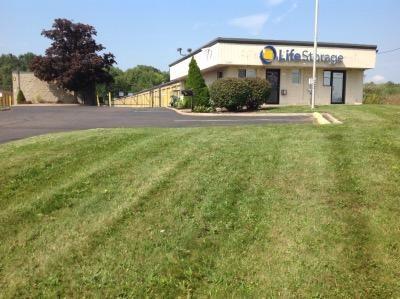 Life Storage - Warren - Elm Road Northeast 3787 Elm Rd NE Warren, OH - Photo 0