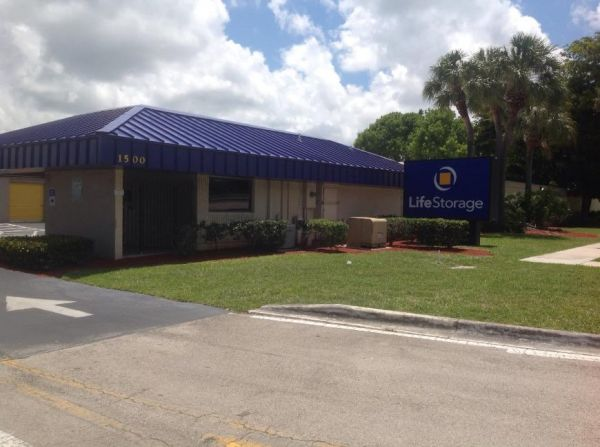 Life Storage - Pompano Beach - West Sample Road 1500 W Sample Rd Pompano Beach, FL - Photo 0