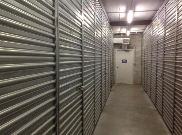 Life Storage - Hollywood - North 21st Avenue 1109 N 21st Ave Hollywood, FL - Photo 7