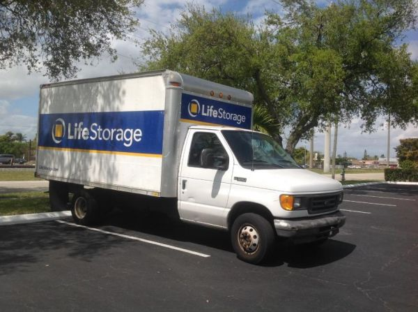 Life Storage - Hollywood - North 21st Avenue 1109 N 21st Ave Hollywood, FL - Photo 2