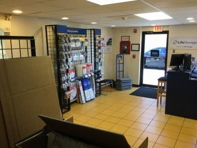 Storage Units In Warwick Rhode Island