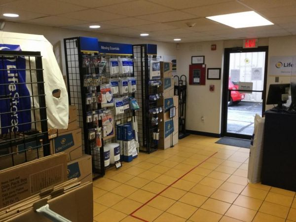 Life Storage - West Warwick 5 James P Murphy Ind Hwy West Warwick, RI - Photo 8