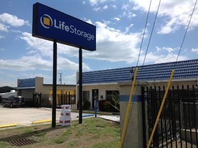 Life Storage - Cocoa 801 N Cocoa Blvd Cocoa, FL - Photo 3