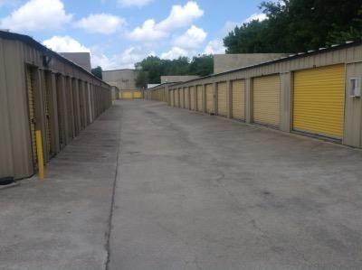 Life Storage - Austin - North Lamar Boulevard 8227 N Lamar Blvd Austin, TX - Photo 4