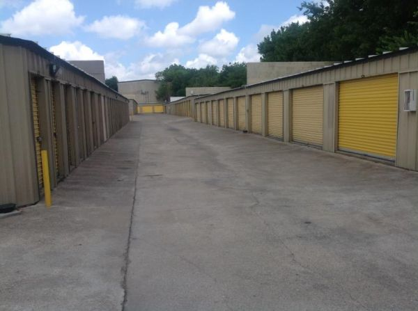 Life Storage - Austin - North Lamar Boulevard 8227 N Lamar Blvd Austin, TX - Photo 6