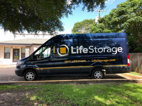 Life Storage - League City - 2410 East Main Street 2410 E Main St League City, TX - Photo 2