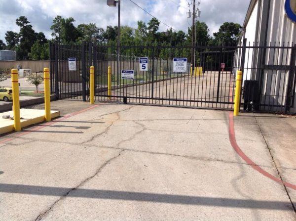 Life Storage - Montgomery - Highway 105 West 15261 Highway 105 W Montgomery, TX - Photo 5