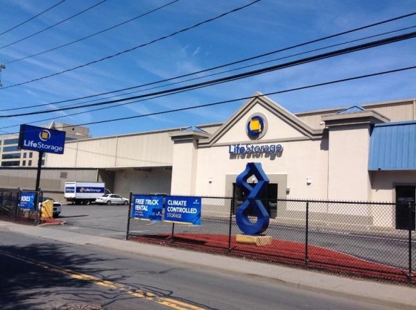 Life Storage - Stamford - Fairfield Avenue 280 Fairfield Ave Stamford, CT - Photo 0