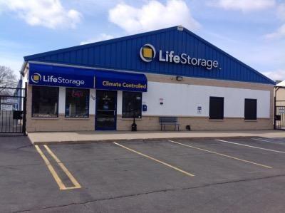 Life Storage - Bay Shore 110 Saxon Ave Bay Shore, NY - Photo 0