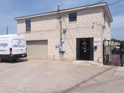 Life Storage - Austin - South 1st Street 6509 S 1st St Austin, TX - Photo 0