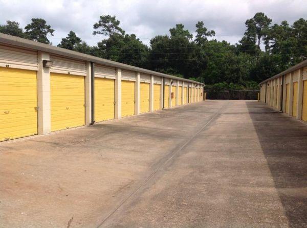 Life Storage - Houston - 13033 Jones Road 13033 Jones Rd Houston, TX - Photo 2