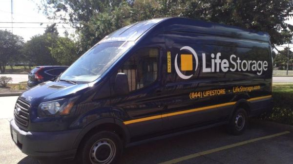 Life Storage - New Orleans 3200 General Degaulle Dr New Orleans, LA - Photo 4