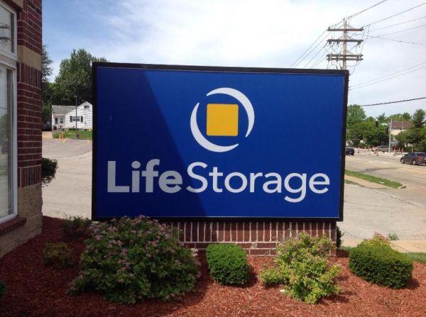 Life Storage - Florissant - Shackelford Road 940 Shackelford Rd Florissant, MO - Photo 1