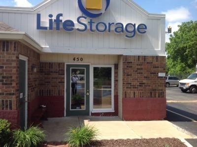 Life Storage - Florissant - Washington Street 450 W Washington St Florissant, MO - Photo 5