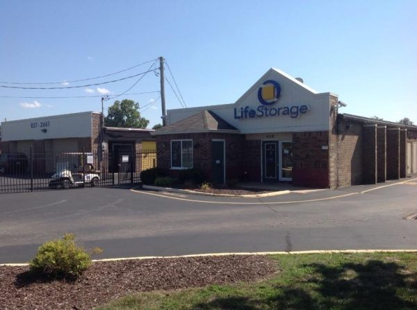Life Storage - Florissant - Washington Street 450 W Washington St Florissant, MO - Photo 0