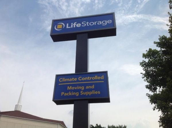Life Storage - Hazelwood - Howdershell Road 6355 Howdershell Rd Hazelwood, MO - Photo 8