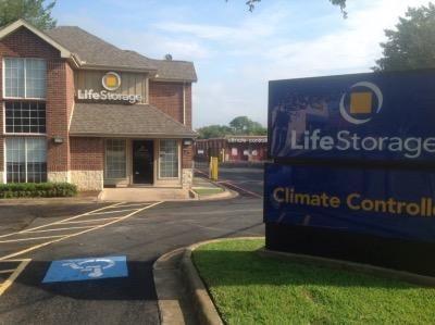 Life Storage - Hurst 88 Grapevine Hwy Hurst, TX - Photo 0