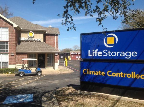 Life Storage - Hurst 88 Grapevine Hwy Hurst, TX - Photo 7