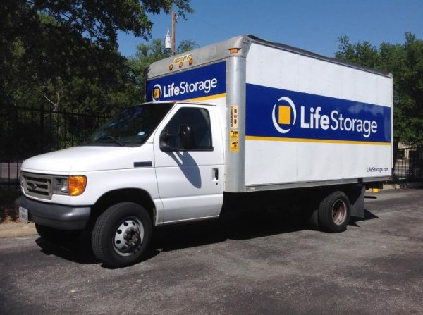Life Storage - San Antonio - Huebner Road 11947 Huebner Rd San Antonio, TX - Photo 4