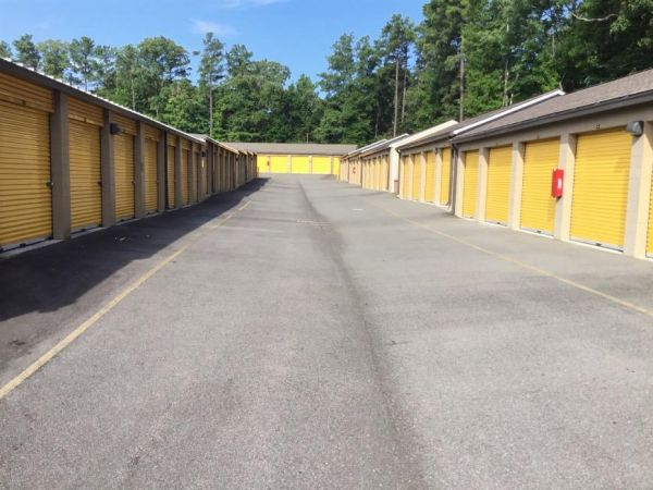 Life Storage - Midlothian - Bailey Bridge Road 3830 N Bailey Bridge Rd Midlothian, VA - Photo 3