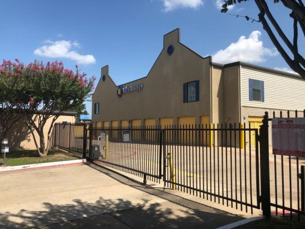 Life Storage - Dallas - Montfort Drive 13820 Montfort Dr Dallas, TX - Photo 7