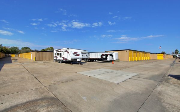 Storage Choice - Pearland 5710 W Broadway St Pearland, TX - Photo 6