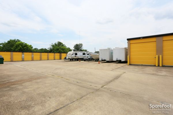 Storage Choice - Pearland 5710 W Broadway St Pearland, TX - Photo 8