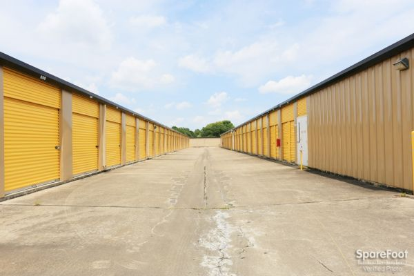 Storage Choice - Pearland 5710 W Broadway St Pearland, TX - Photo 9