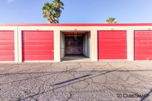 CubeSmart Self Storage - Tucson - 3899 N Oracle Rd 3899 N Oracle Rd Tucson, AZ - Photo 2