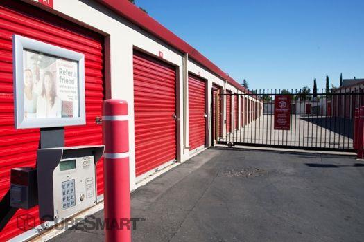 CubeSmart Self Storage - Sacramento - 2620 Florin Rd 2620 Florin Rd Sacramento, CA - Photo 4