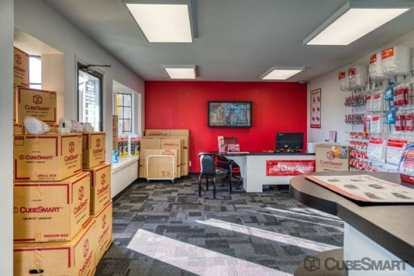 CubeSmart Self Storage - Sacramento - 775 N 16th St 775 N 16th St Sacramento, CA - Photo 6