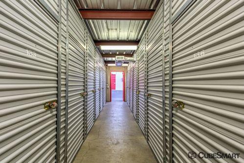CubeSmart Self Storage - Albuquerque - 2001 Girard Blvd SE 2001 Girard Blvd Se Albuquerque, NM - Photo 3