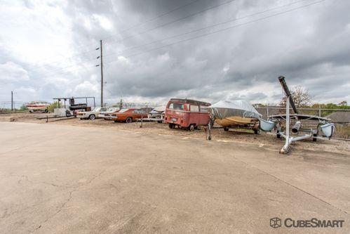 CubeSmart Self Storage - Bryan 741 North Harvey Mitchell Pkwy Bryan, TX - Photo 6
