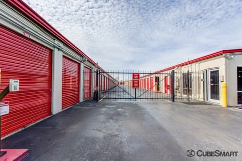 CubeSmart Self Storage - Houston - 9900 Rowlett Rd 9900 Rowlett Rd Houston, TX - Photo 4