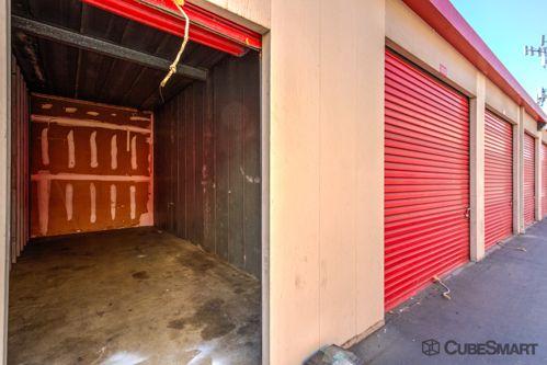 CubeSmart Self Storage - Long Beach 198 W Artesia Blvd Long Beach, CA - Photo 3