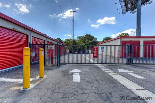 CubeSmart Self Storage - Long Beach 198 W Artesia Blvd Long Beach, CA - Photo 4