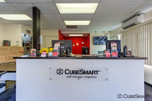 CubeSmart Self Storage - Long Beach 198 W Artesia Blvd Long Beach, CA - Photo 6